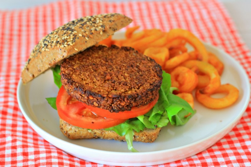 Crunchy Vegan Notenburger
